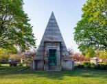 Graceland-Landscape-Schoenhofen-Monument